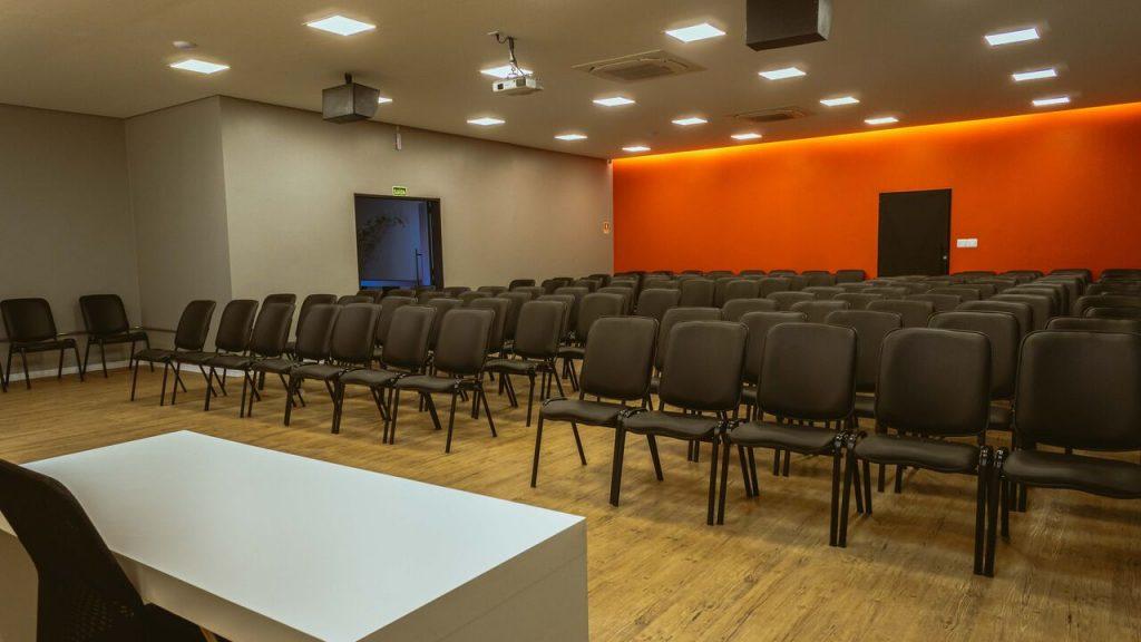 cadeiras do auditório