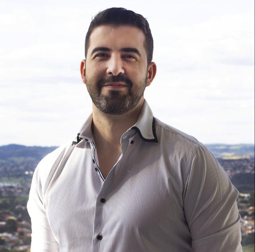 Carlos Eduardo consultor financeiro da equipe TH